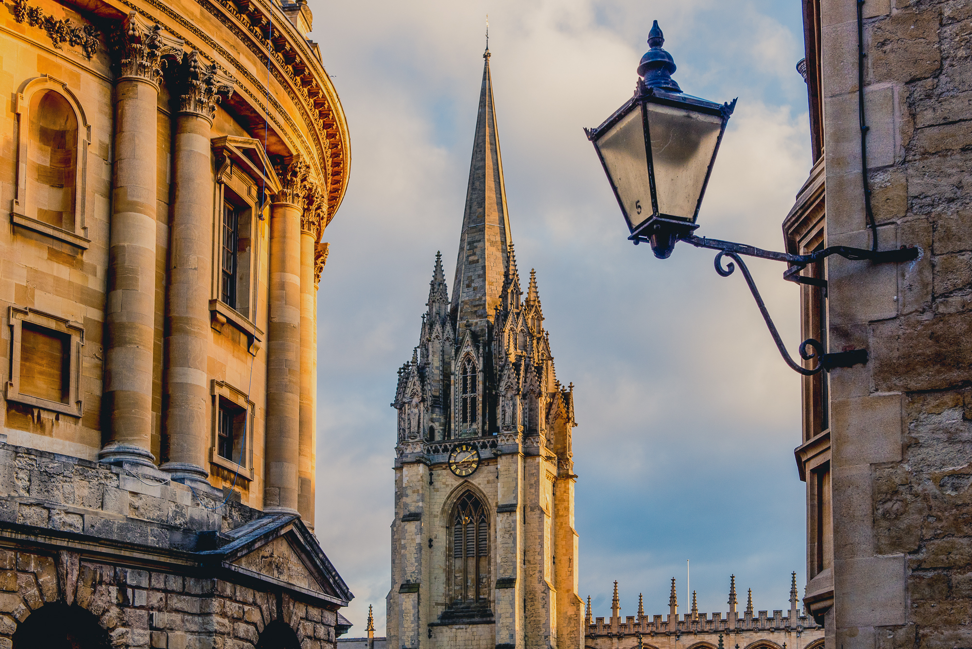 A view of the side of the Radcliffe Camera