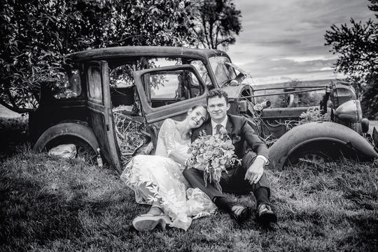Countryside wedding photographer based in Oxford near London.